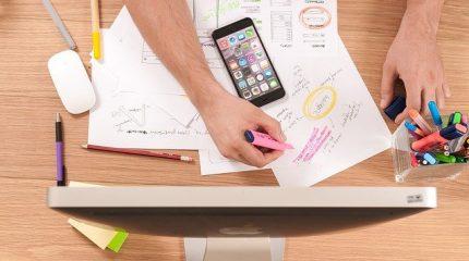 デザイン思考とは何か?プロセスや押さえておきたいポイント、フレームワーク、企業事例について解説!